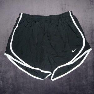NWOT Nike Dri-Fit Tempo Run Shorts L